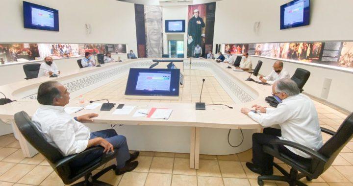 SE REÚNE ASTUDILLO FLORES CON PARTE DE SU GABINETE PARA ANALIZAR REINICIO DE ALGUNAS ACTIVIDADES