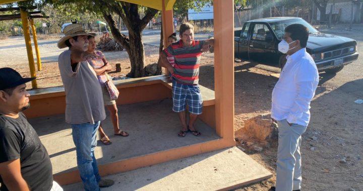 Alcalde Crescencio Reyes atiende a Comité de Agua Potable de San Jerónimo