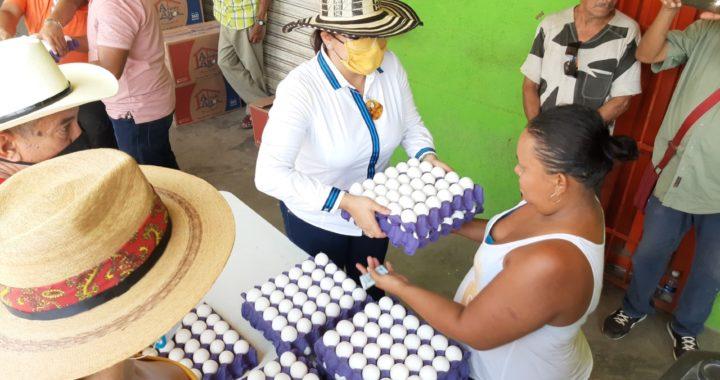 Instala diputada Perla Edith Martínez tienda ahorradora en San Luis de la Loma
