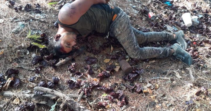 Reconocen los cuerpos de los dos jóvenes localizados asesinados ayer en el municipio de Coyuca de Benítez