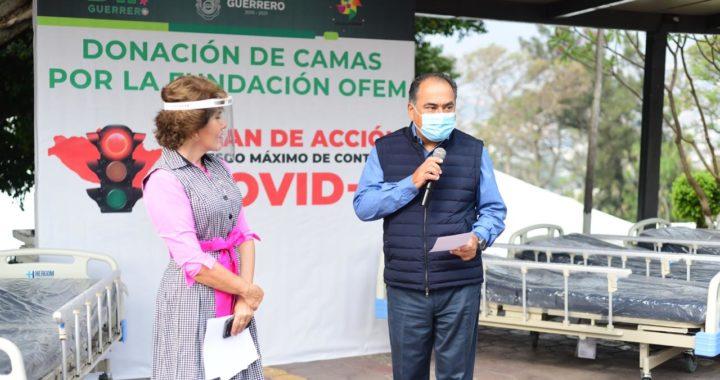 RECIBEN HÉCTOR ASTUDILLO Y MERCEDES CALVO 10 CAMAS DONADAS PARA HOSPITALIZACIÓN EN ACAPULCO