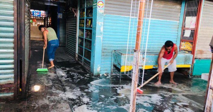 Mercado municipal cerrado con la finalidad de mitigar COVID-19