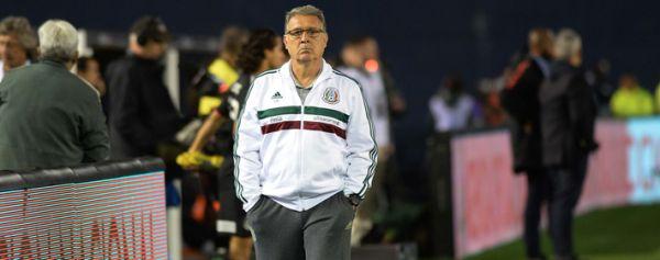 El futbolista mexicano ha ido evolucionando: Martino