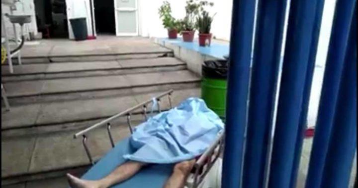 Rechazan atenderlo y muere un hombre afuera del hospital general de Zihuatanejo