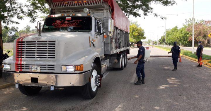 En Atoyac continúan instalados retenes sanitarios en accesos a la ciudad