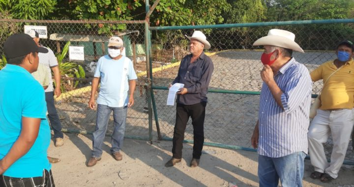 Toman la bodega del fertilizante en Tecpan; campesinos exigen ser ingresados a padrón de beneficiarios