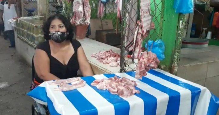 Piden vigilancia policial en el mercado de Tecpan para obligar al uso de cubrebocas