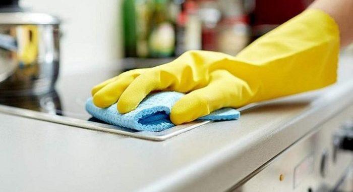 Limpian y cuidan casas ajenas, pero la mayoría de las 78 mil trabajadoras domésticas vive al día