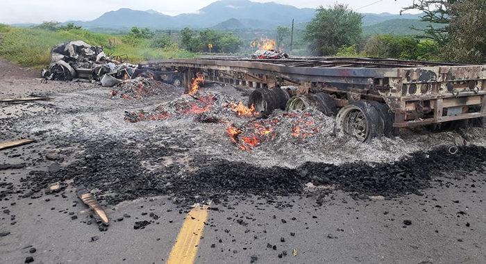 Tepalcatepec bajo fuego; se enfrentan pobladores al CJNG