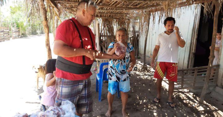 Reciben pobladores de La Vinata apoyo alimenticio enviado desde Estados Unidos