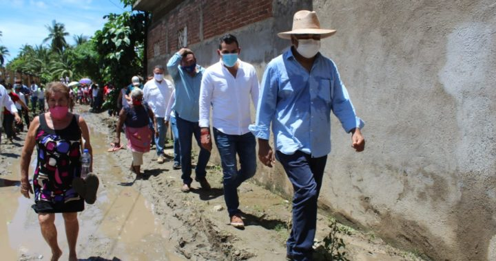 ACUDE NUEVAMENTE EL GOBERNADOR HÉCTOR ASTUDILLO A LA COSTA GRANDE EN APOYO A LOS DAMNIFICADOS