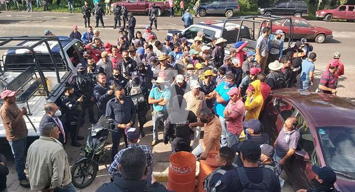 Habitantes del municipio de Hidalgo se manifiestan contra abusos de la Policía Michoacán