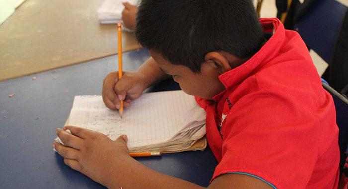 CEDH va contra escuela en Michoacán que condiciona inscripciones por pago de cuotas