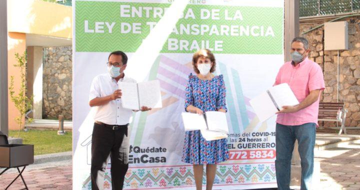 ENTREGA EL ITAIGRO AL DIF GUERRERO VERSIÓN IMPRESA EN BRAILLE DE LA LEY 207 DE TRANSPARENCIA Y ACCESO A LA INFORMACIÓN PÚBLICA