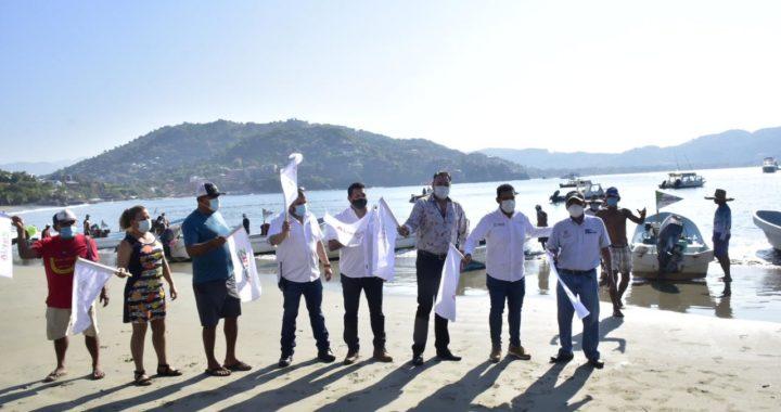 Pescadores reciben apoyo de gobierno de Zihuatanejo