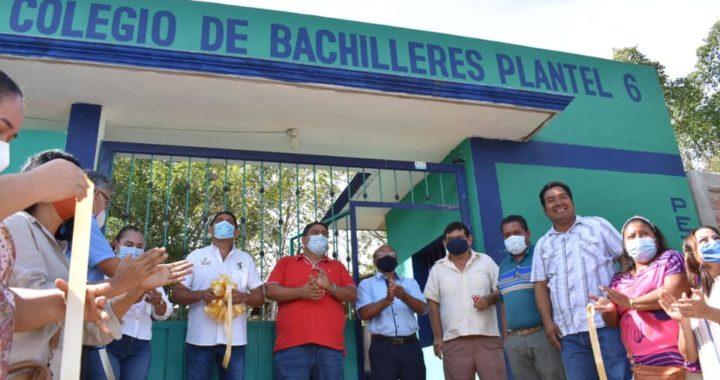 EL GOBIERNO DE PETATLÁN, CUMPLE OTRO COMPROMISO MÁS CON LA EDUCACIÓN EN EL MUNICIPIO.