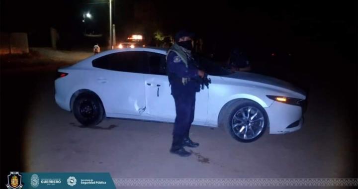 Asegura Guardia Nacional cartuchos útiles, camioneta de lujo y dos coches en El Súchil, Tecpan de Galeana