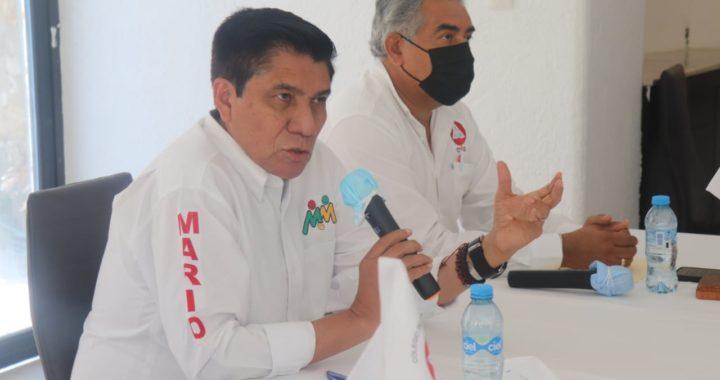 Mario Moreno Arcos se reunió con el colegio de ingenieros civiles de Guerrero