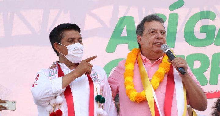 Mario Moreno recibe total respaldo del ex gobernador Ángel Aguirre Rivero en su recorrido en Ometepec