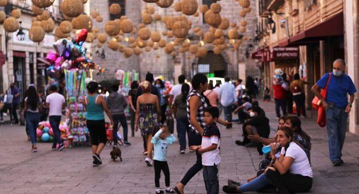Desafían a la COVID-19: comienzan aglomeraciones por Semana Santa en Morelia