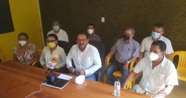 Presentan corrientes internas del PRD a Yasir como candidato a la alcaldía de Tecpan