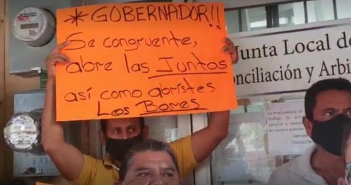 Protestan abogados en la Junta de Conciliación y Arbitraje de Zihuatanejo