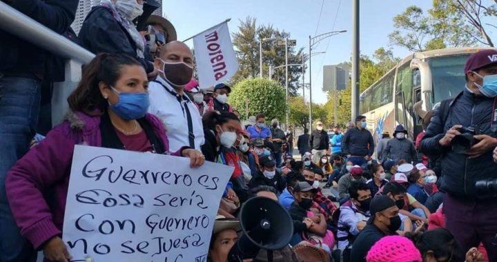 Se moviliza Félix Salgado a la sede del TEPJF