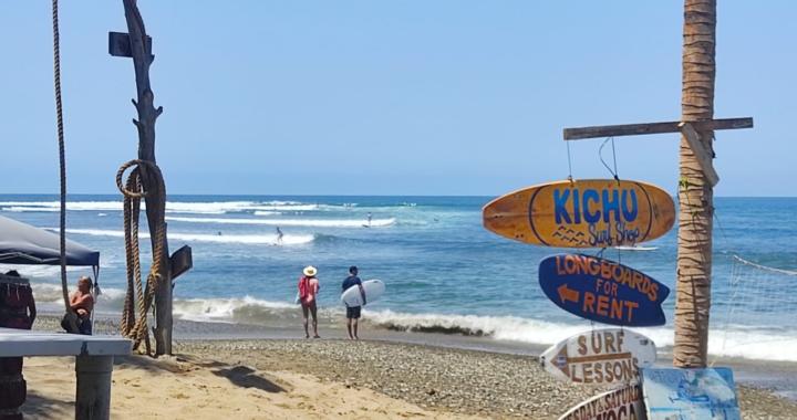 PC pide a turistas y locales extremar precauciones ante mar de fondo en playas de La Unión
