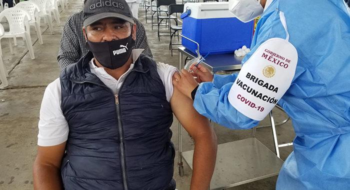 Por desabasto, cancelan aplicación de segunda dosis de vacunación contra COVID-19 en Uruapan