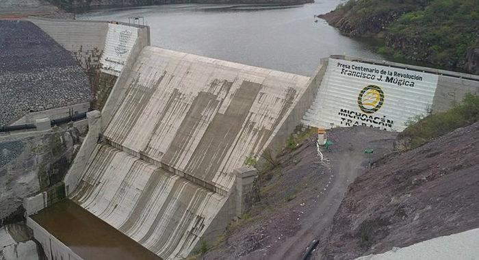 FGR sigue la pista a Odebretch en Michoacán por la construcción de la presa Francisco J. Múgica