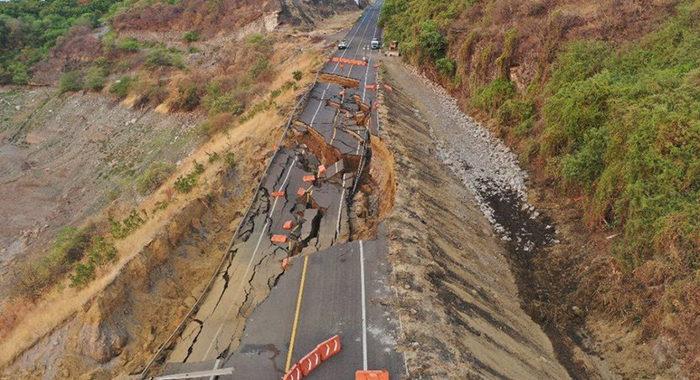 Sequía extrema y sismos, entre las posibles causas del colapso de un tramo en la Siglo XXI