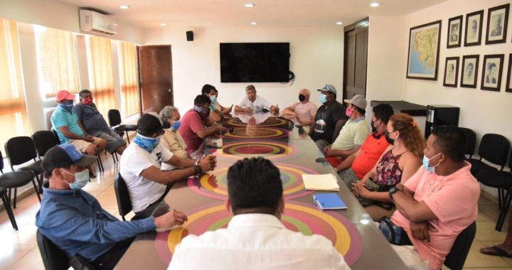 Gobierno de Zihuatanejo apoyará a restauranteros para embarque y desembarque