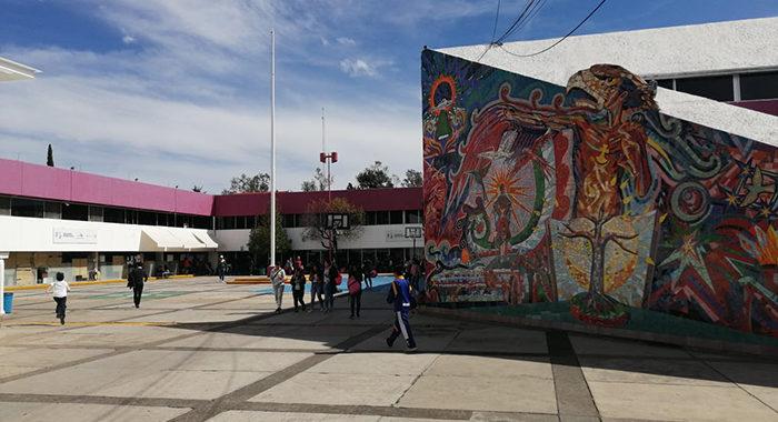 No hay para cuándo cubrir quincena a profesores en Michoacán: más de 30 mil esperan su pago