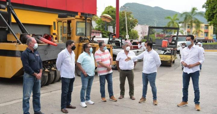 Presidente Jorge Sánchezconstata el arranque de la pavimentación de Av. Paseo de La Boquita