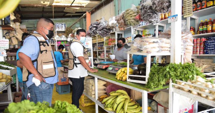 El gobierno municipal ordena actividades comerciales a través del programa Paso Libre