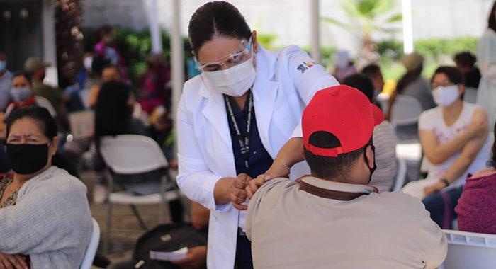 Continúa vacunación en Michoacán, desde 18 a 59 años, en 8 municipios, entre ellos Tarímbaro