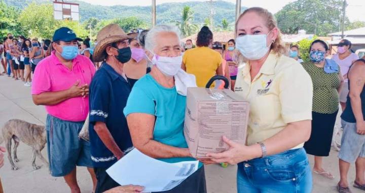 DIF Municipal lleva apoyo alimentario a más comunidad de La Unión