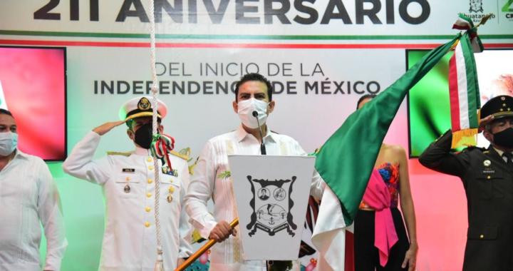 Presidente Jorge Sánchez y mandos militares encabezan ceremonia del Grito de Dolores