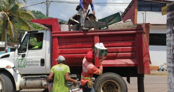 Gobierno municipal recolecta más de 127 toneladas de cacharros en colonias y comunidades.