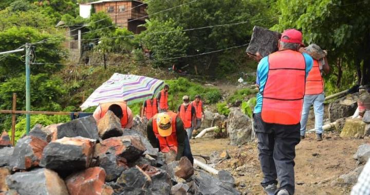 Presidente Jorge Sánchez supervisa construcción de circuito vial en colonia Los Pinos
