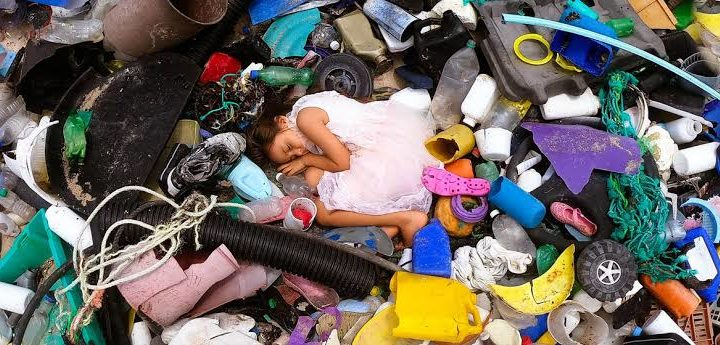Todavía muchas personas siguen utilizando artículos contaminantes